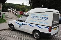 Uzavření plaveckého stadionu v Kutné Hoře z důvodu úniku čpavkové vody do systému ústředního vytápění.