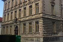 Školní budova Na Náměti v Kutné Hoře.
