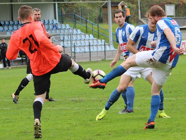 V Čáslavi rozhodovaly až penalty, které domácí proti pražské Admiře zvládli a získali bod navíc.