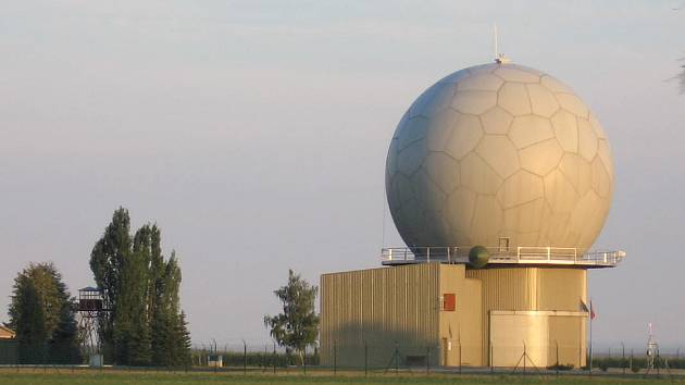 Pokud radar u českých zákonodárců projde, naši vědci se mohou těšit na dvanáct milionů, slíbil generál Obering.
