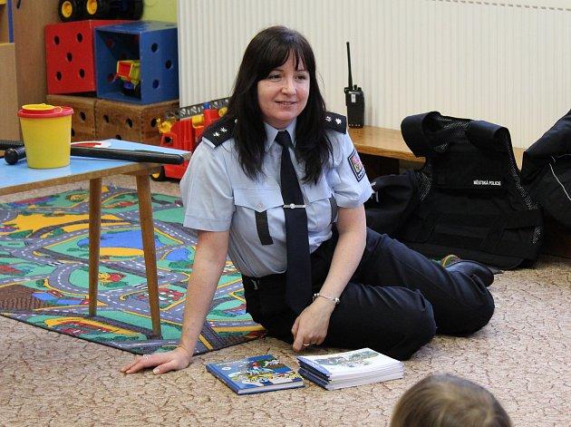 Policisté navštívili děti v Mateřské škole Pohádka