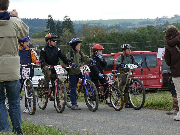 Z pátého ročníku cyklistického závodu Ušlapto v Bohdanči.