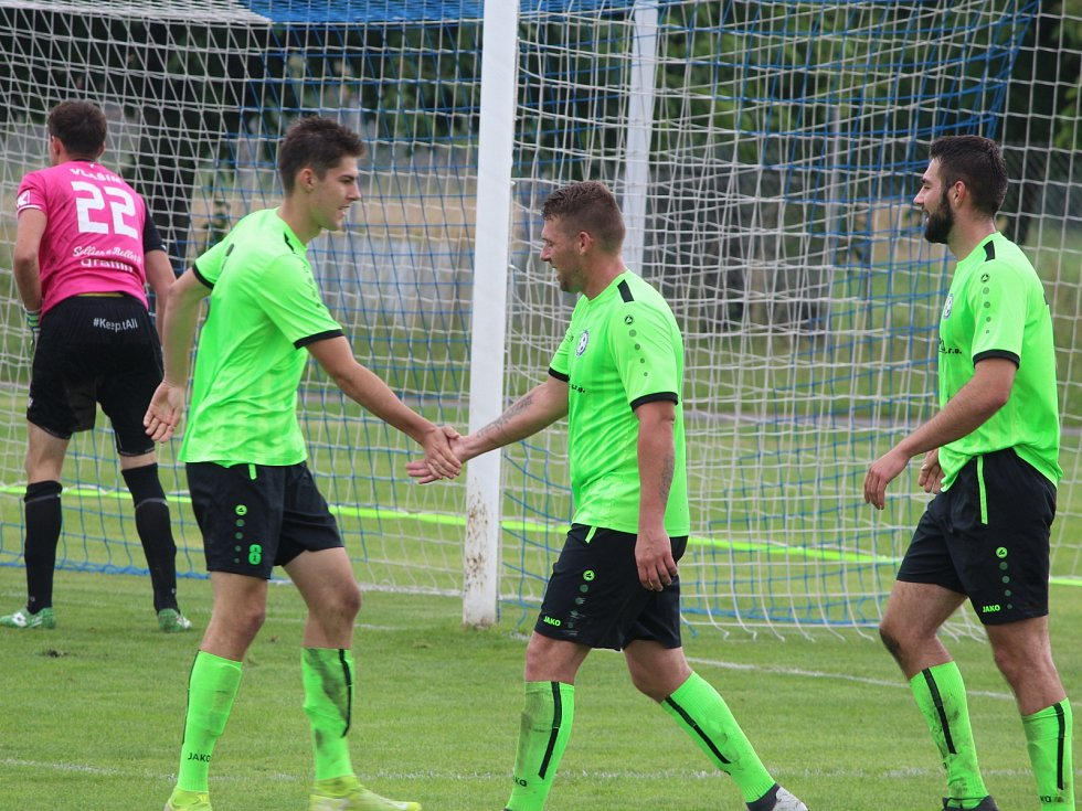 Letní fotbalová příprava: Hlízov - Vlašim B 5:2 (2:0).