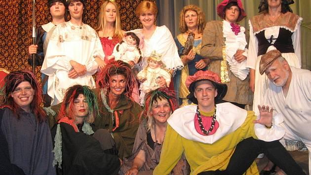 Pohádka Kouzelná píšťalka v podání herců z kutnohorského ochotnického spolku Tyl.