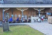 Tábor pro dospělé na farmě Bláto.