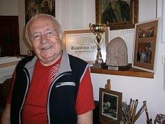 Stanislav Příhoda, vlašimský všeuměl, také získal v roce 2013 titul Blanický rytíř.