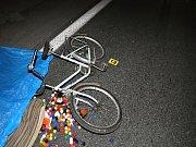 Při nehodě v pondělí večer v Církvici přišel o život starší cyklista.