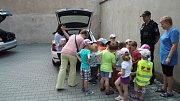 Děti navštívily policejní oddělení