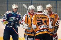 Ppřípravné utkání: Sršni Kutná Hora - HC Vlci Jablonec, 18. srpna 2011.