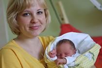 Amálie Růžičková poprvé zakřičela 22. března 2012 v kolínské nemocnici. Měřila 48 centimetrů a vážila 2890 gramů. Svého prvního potomka si rodiče Eva a Jan odvezli do obce Přítoky u Kutné Hory.