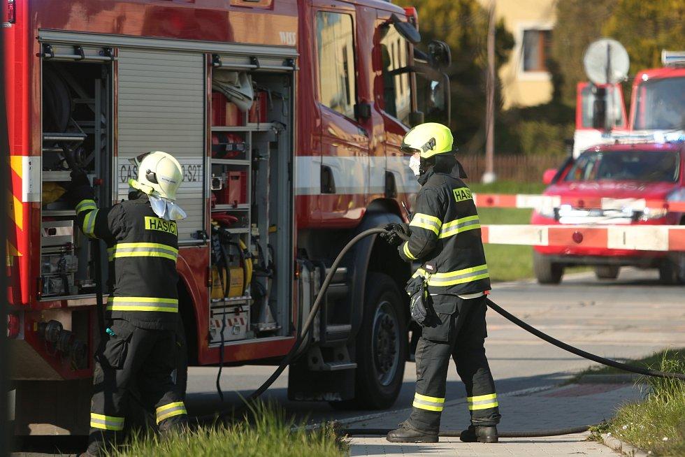 Smrtelná nehoda na železničním přejezdu v Hlízově u Kutné Hory.