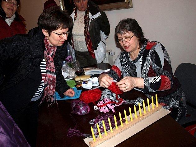 Vernisáž výstavy Zlaté české ruce aneb chvála ruční práci v Čáslavi 11. 2. 2013