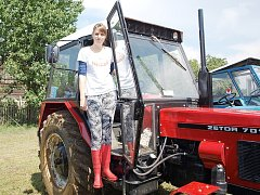 Na poli ve Volavé Lhotě se uskutečnil 3. ročník Traktoryády