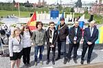 Česká výprava studentů, včetně Kateřiny Rosické z kutnohorského Gymnázia Jiřího Ortena (na snímku vlevo), na Evropské fyzikální olympiádě v Rusku.