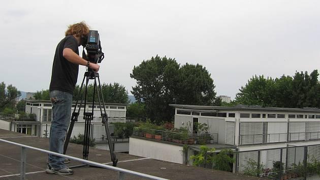 Kameraman Daniel Souček v akci.