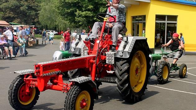 Pradědečkův traktor 2016 v Čáslavi