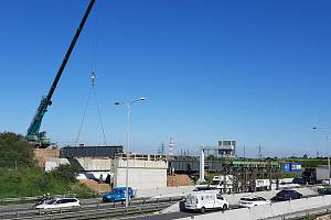 Rekonstrukce mostu nad dálnicí D0.