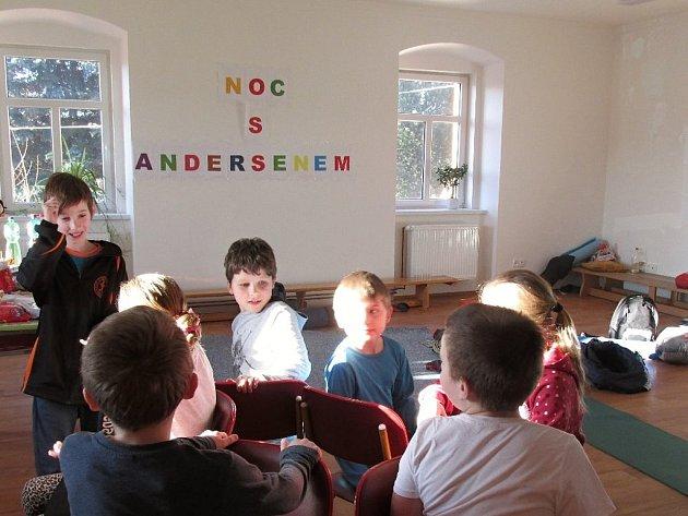 Noc s Andersenem v Bohdanči.