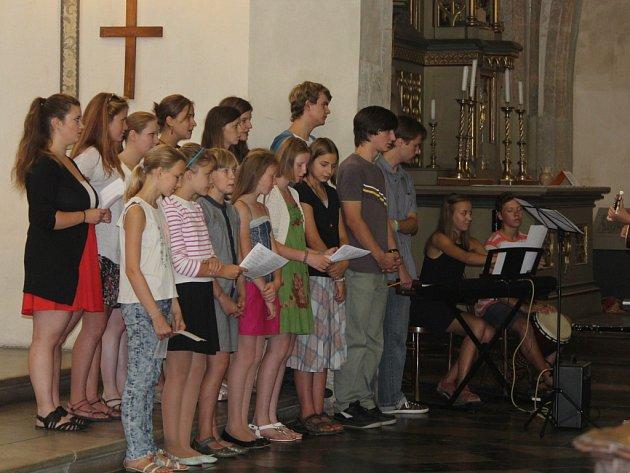 Církevní gymnázium zahájilo školní rok bohoslužbou v kostele sv. Jakuba