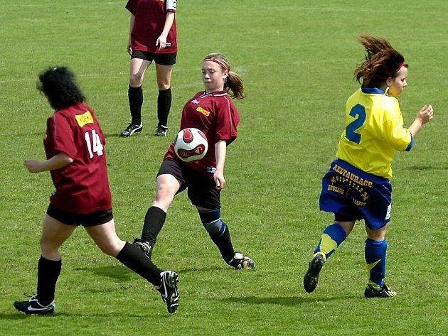 Fotbal ženy: Uhlířské Janovice - Kutná Hora