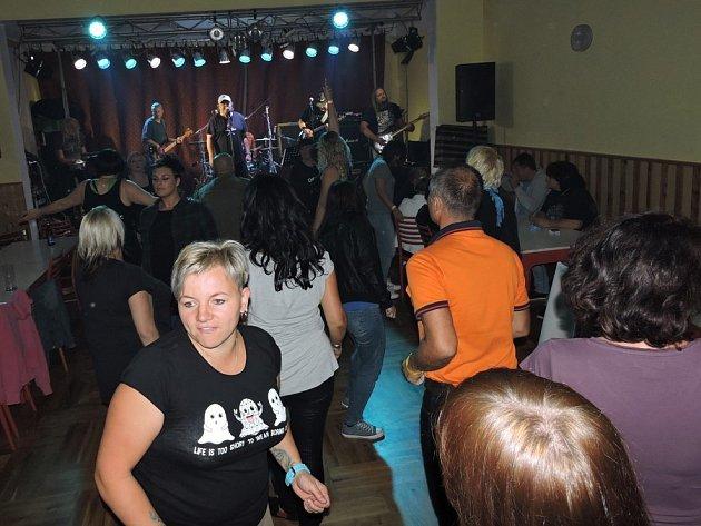 Skupina Debry zahrála v Souňově