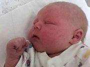 Šimon Vondra se narodil 13. června v Čáslavi. Vážil 3760 gramů a měřil 49 centimetrů. Doma v Želivci ho přivítal bráška Matěj, maminka Pavlína a tatínek Roman.