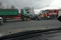 Dopravní nehoda na silnici I/38 na křižovatce pod Kaňkem.