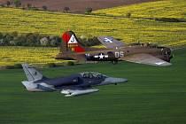 Čáslavští piloti doprovázeli legendární B-17 Flying Fortress