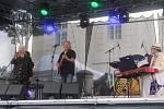 Jaroslav Uhlíř s kapelou na Česká1Fest 2019.