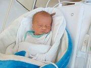MATĚJ JON Narodil se 7. května v liberecké porodnici mamince Zuzaně Jonové z Oldřichova. Vážil 2,28 kg a měřil 45 cm.