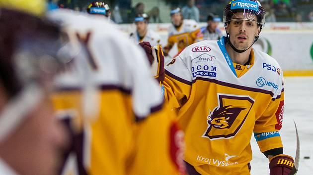 Dohrávka zápasu 11. kola Tipsport extraligy ledního hokeje se odehrála 26. února v liberecké Home Credit areně. Utkaly se celky Bílí Tygři Liberec a HC Dukla Jihlava. Na snímku je Tomáš Jiránek.