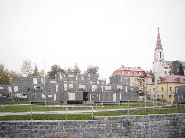 Chrastava řeší proluku v centru. Chrastavská radnice se obrátila na studenty architektury z TUL, aby jí pomohli s návrhy.
