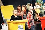 Divadlem proti šikaně. Příběh šikanované Julie nastudovala herečka a režisérka Jana Hejret Vojtková.