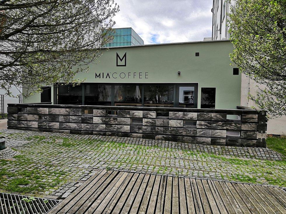 Mia Coffee.