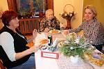 Na slavnostní večeři pozvali do domova v Českém Dubu své blízké.