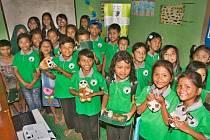 Žáci Anglicko-environmentální školy provozované Kukang programem.