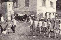 Oldřichov v Hájích. Dětský den v roce 1966.