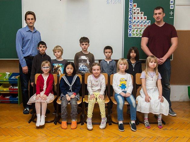 Prvňáci ze Základní školy Jindřichovice pod Smrkem.