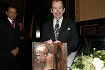Václav Havel při přebírání ceny Karla Čapka.