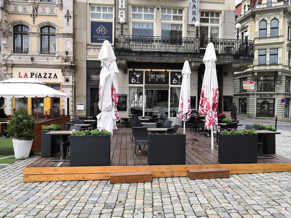 Café Bar Praha.