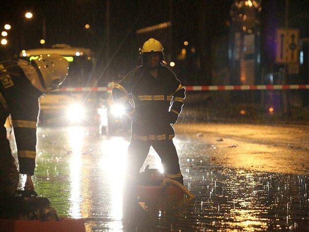 Noční bouře na Liberecku napáchala velké škody.