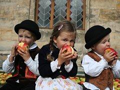 Slavnosti jablka na Sychrově.