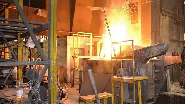 Požár ve slévárně litiny v obci Přepeře na Turnovsku.