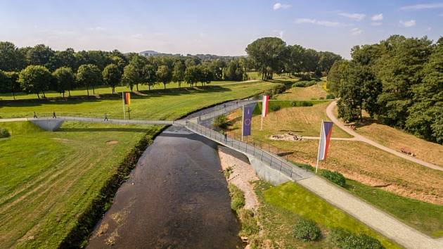 VIZUALIZACE budoucího mostu v Trojzemí od společnosti Valbek.