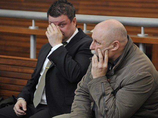 JOSEF VEDRAL (vpravo) je hlavním obžalovaným v kauze daňových úniků.
