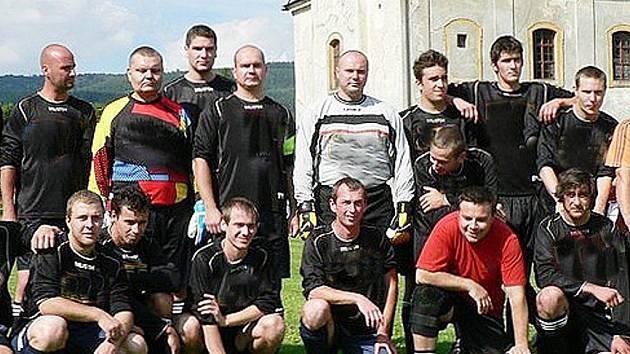 FC LICON ZDISLAVA. S novým sponzorem vstupují fotbalisté zítra do III. třídy zápasem v Branžeži.