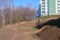 LESOPARK slouží především obyvatelům sídliště Nové Vratislavice, blízko to ale mají i lidé z Rochlice.