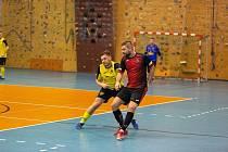 Futsalisté Liberce (v červeno-černém) přišli o výhru šest sekund před koncem.