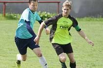 Fotbalové Ruprechtice (V modém) se loučili s domácím prostředím vítězným duelem s Horní Brannou (5:1).