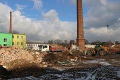 Firma nedodržela podmínky bouracích prací starého objektu Bytex. Radnice se  chystá vyvodit sankce.